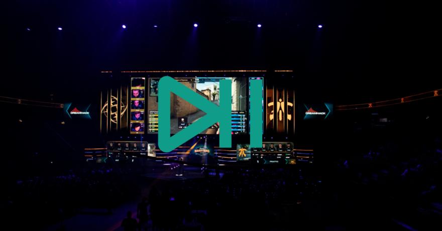 Bild på scenen på DreamHack och en playsymbol.